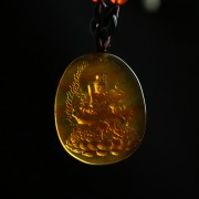 棕红缅甸琥珀文殊菩萨吊坠-31KI31