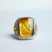 缅甸琥珀阴雕龙腾银戒指-10KJ09