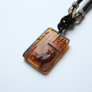 棕红缅甸琥珀生肖狗吊坠-80KM22